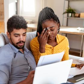 dating advice,Love & Relationships,Abusive Relationship,Financial Abuse