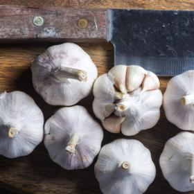 Food & Travel,Garlic Storing