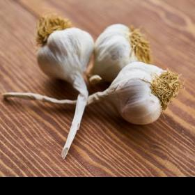 Beauty,Home Remedies,hair care tips,garlic for hair