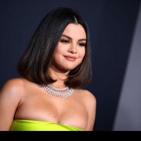 Celebrity Style,selena gomez,amas 2019,look at her now