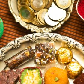 Food & Travel,Indian Sweets,diwali,Traditional Indian Foods
