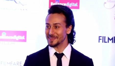 Rumoured couple Tiger Shroff and Disha Patani grace the red carpet at the FGS Awards!