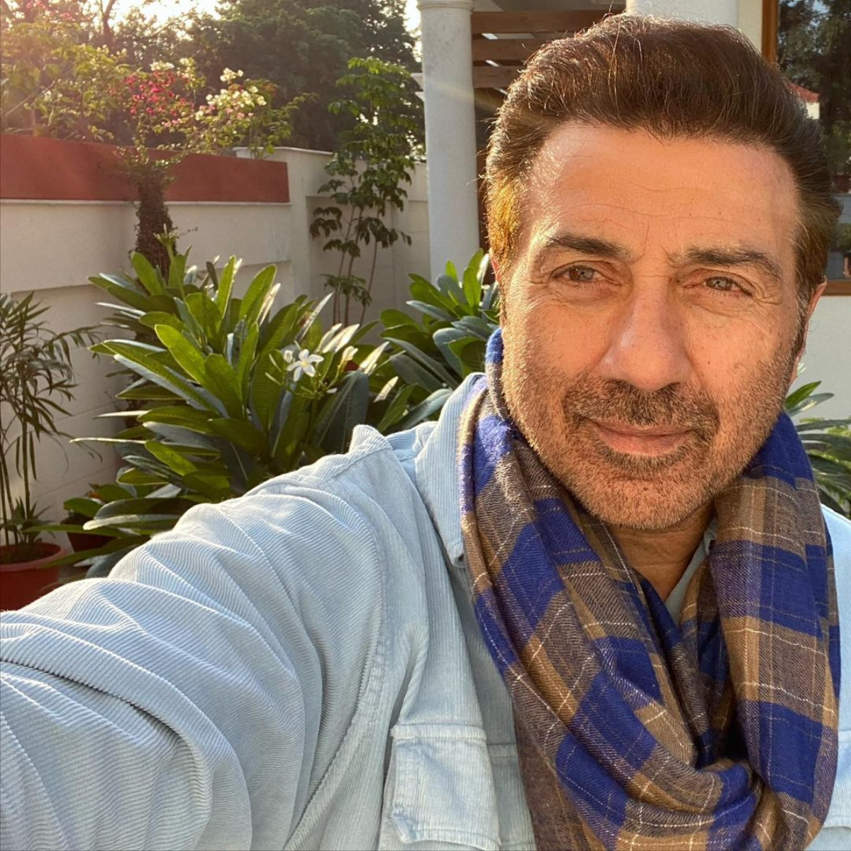 Actor and politician Sunny Deol tests positive for COVID 19; Apne 2 star in isolation