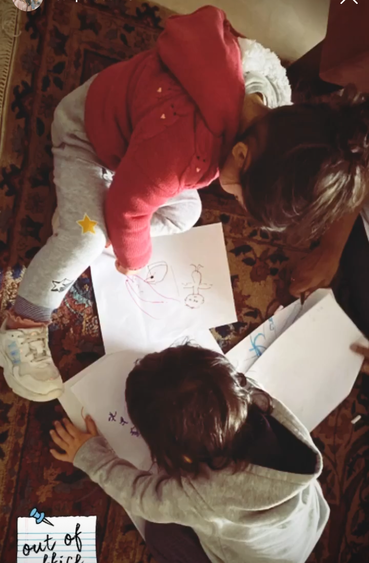 Taimur Ali Khan & cousin Inaaya Kemmu turn artists as they enjoy a drawing class during their vacay; See PHOTO
