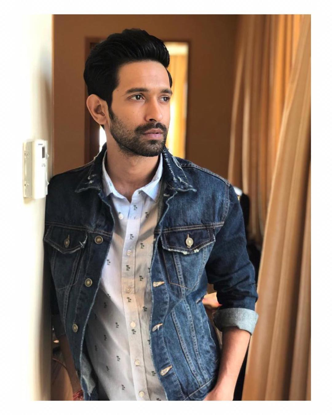 Manukriti is all set to romance Vikrant Massey in her upcoming film