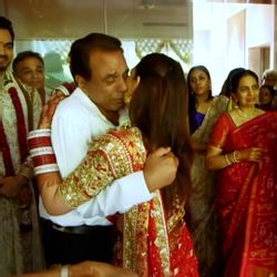 Emotional moments of daughters and dads of Bollywood; Happy Daughter's Day